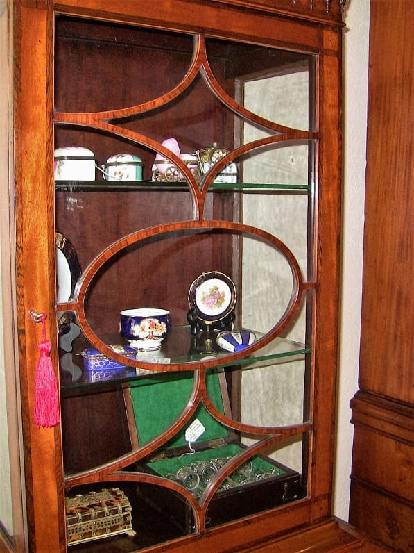 18C Sheraton Satinwood Display Cabinet (3)