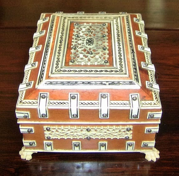 19C Anglo Indian Vizagapatam Sandalwood and Bone Casket Box