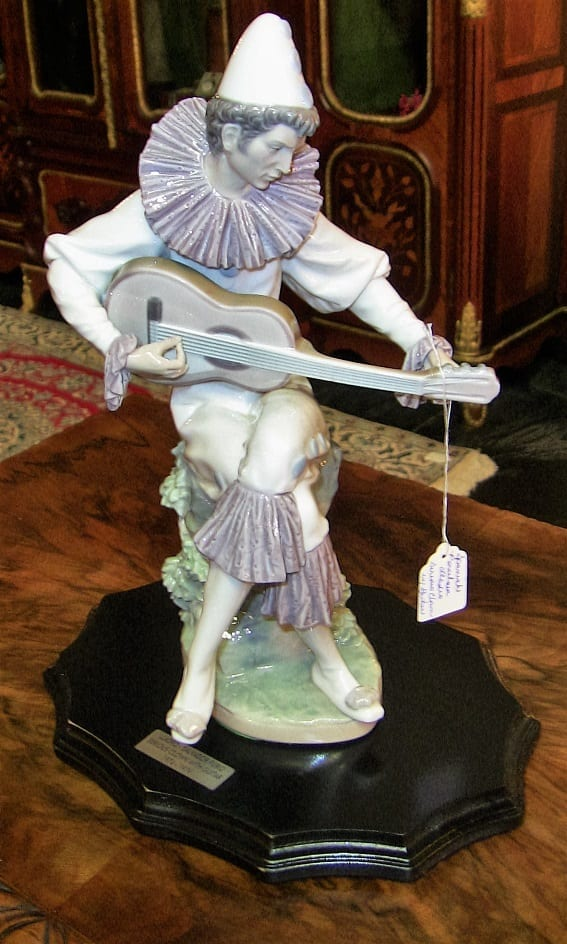 Lladro Retired Serious Clown with Guitar