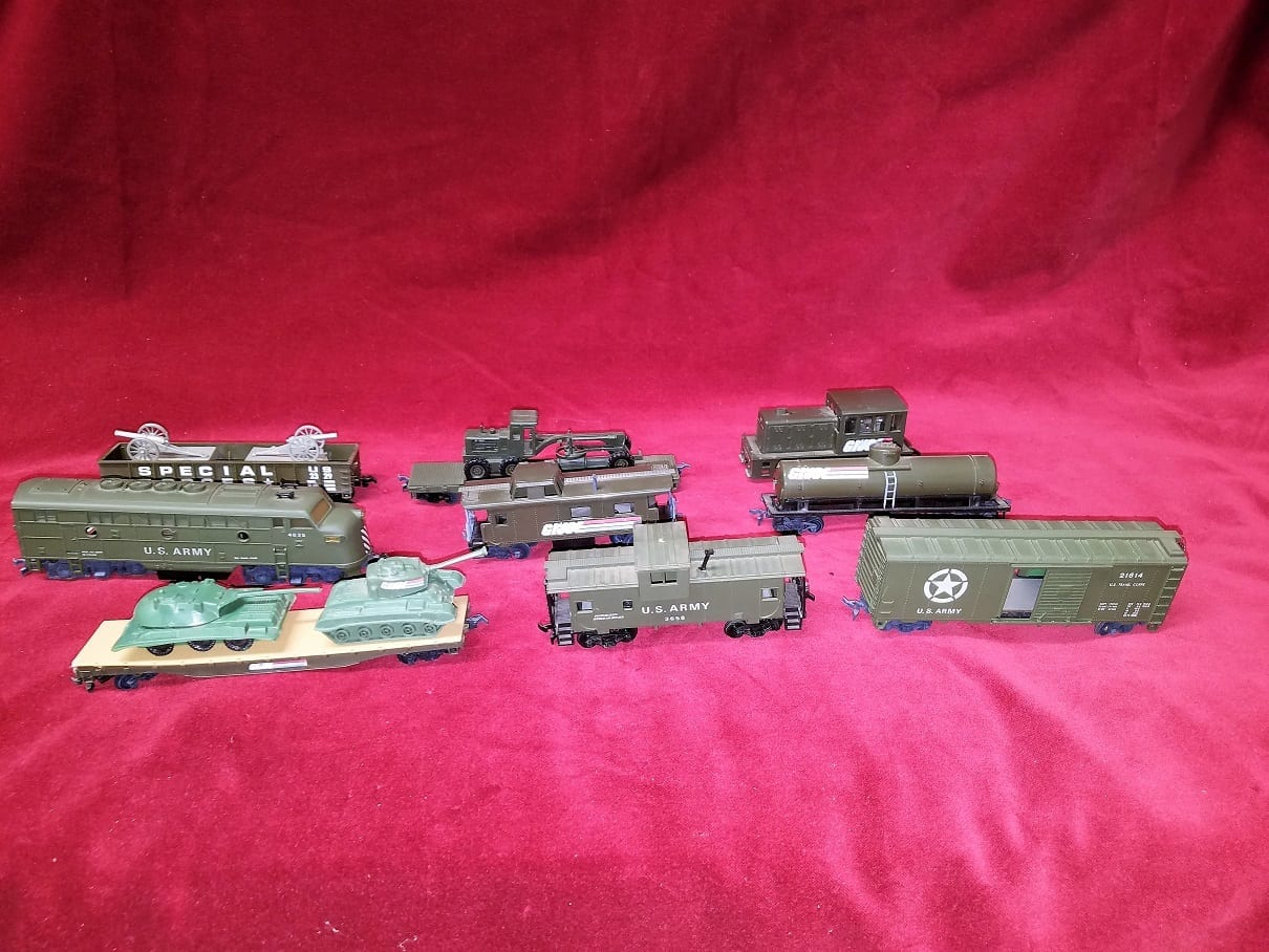 Us Army And Gi Joe Ho Scale 9 Piece Train Set Rockwell
