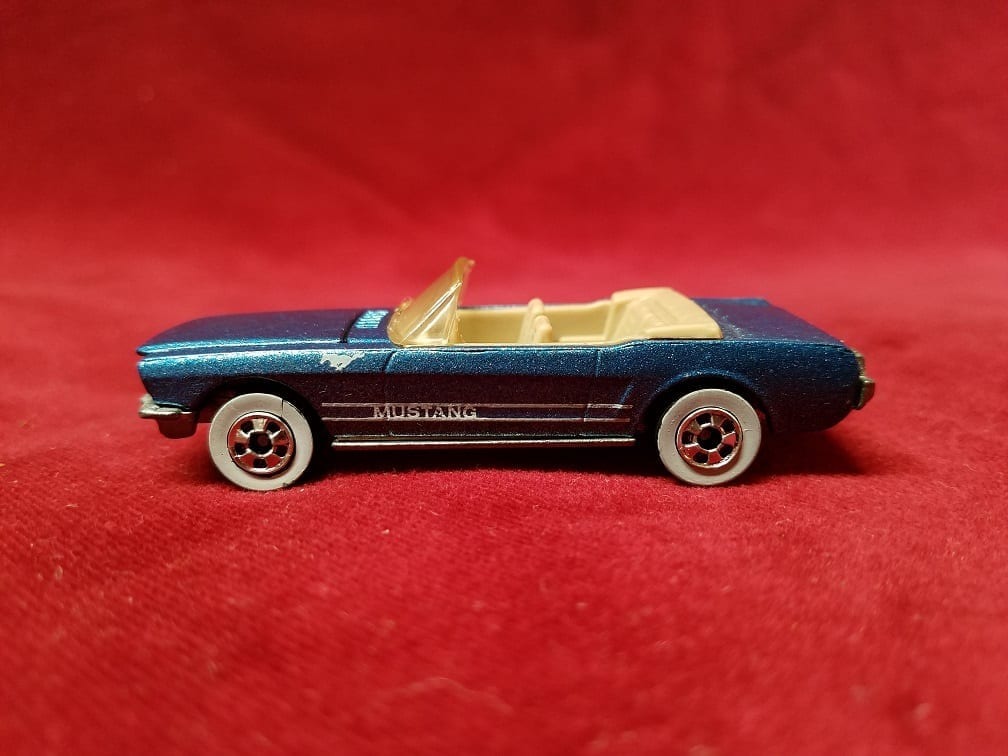 Vintage 1983 Hot Wheels Ford Mustang Convertible