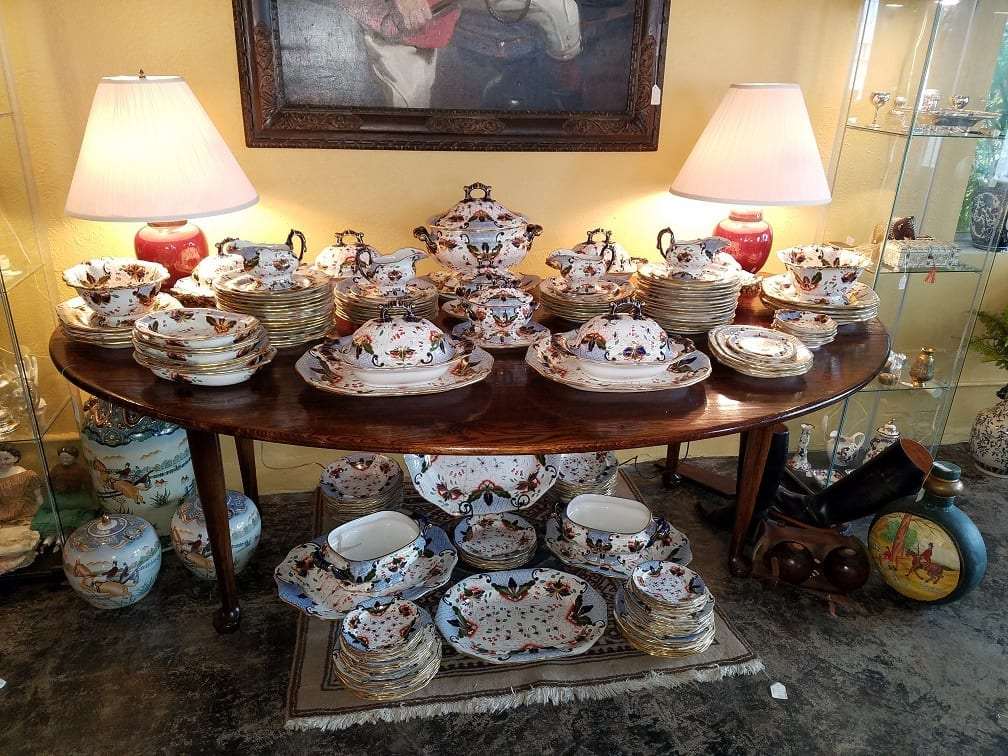 Large Early 19c Davenport Longport Imari China Dinner